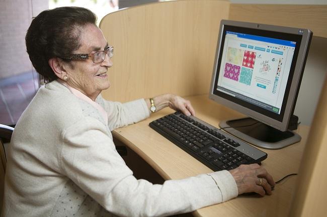 Cómo puede ayudar el Internet de las cosas a las personas mayores