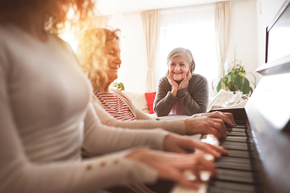 La musicoterapia ayuda a las personas mayores a expresar sus emociones