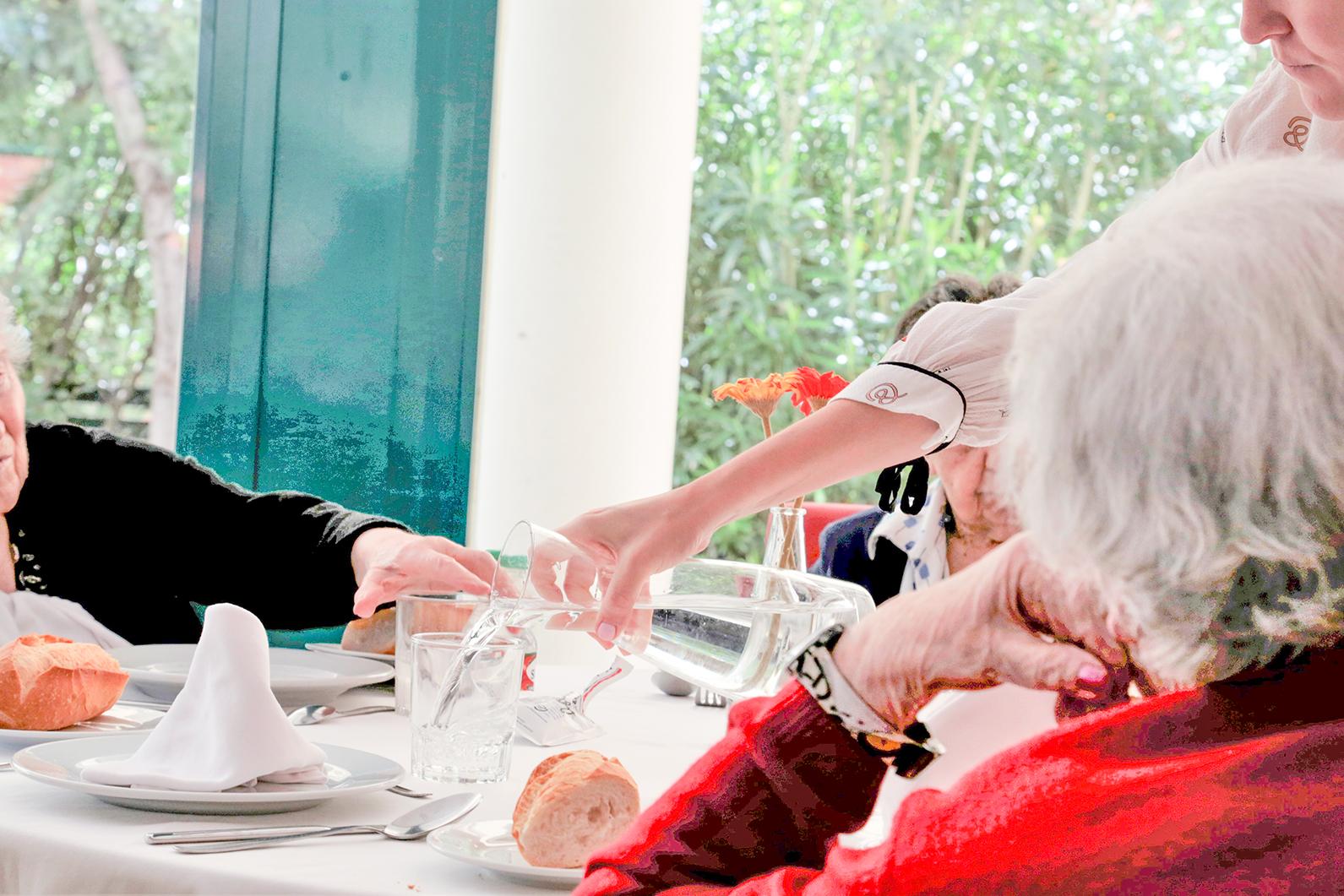 Grupo ORPEA acoge en sus centros a personas mayores que viven solas para que pasen la Navidad en un ambiente cálido y familiar