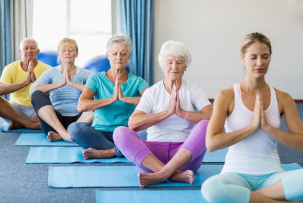 Beneficios del yoga para las personas mayores