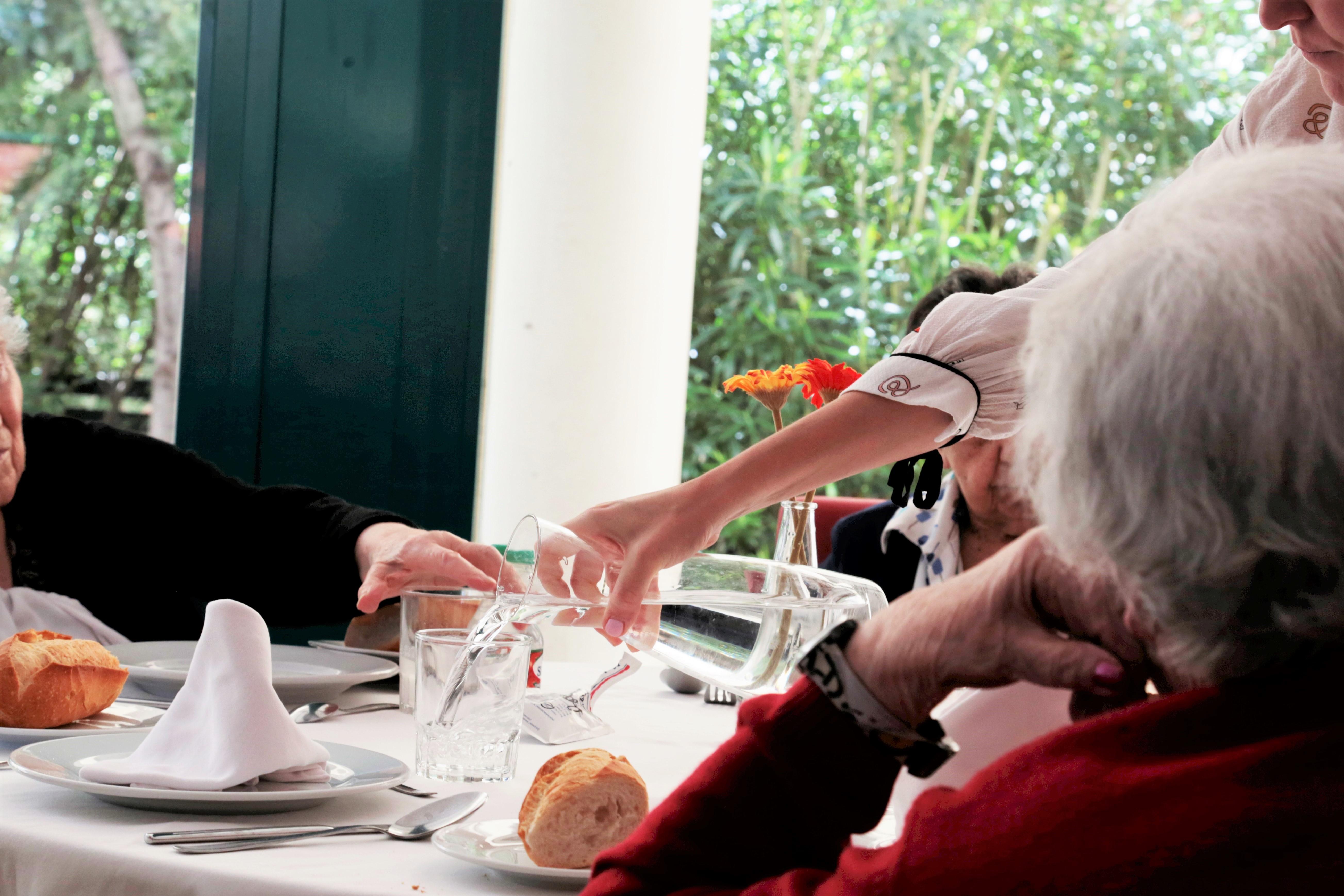 ORPEA abre sus centros para combatir la soledad no deseada en las personas mayores