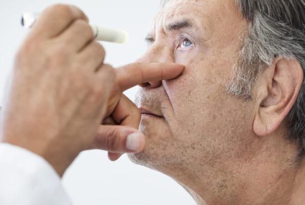 controlar glaucoma personas mayores