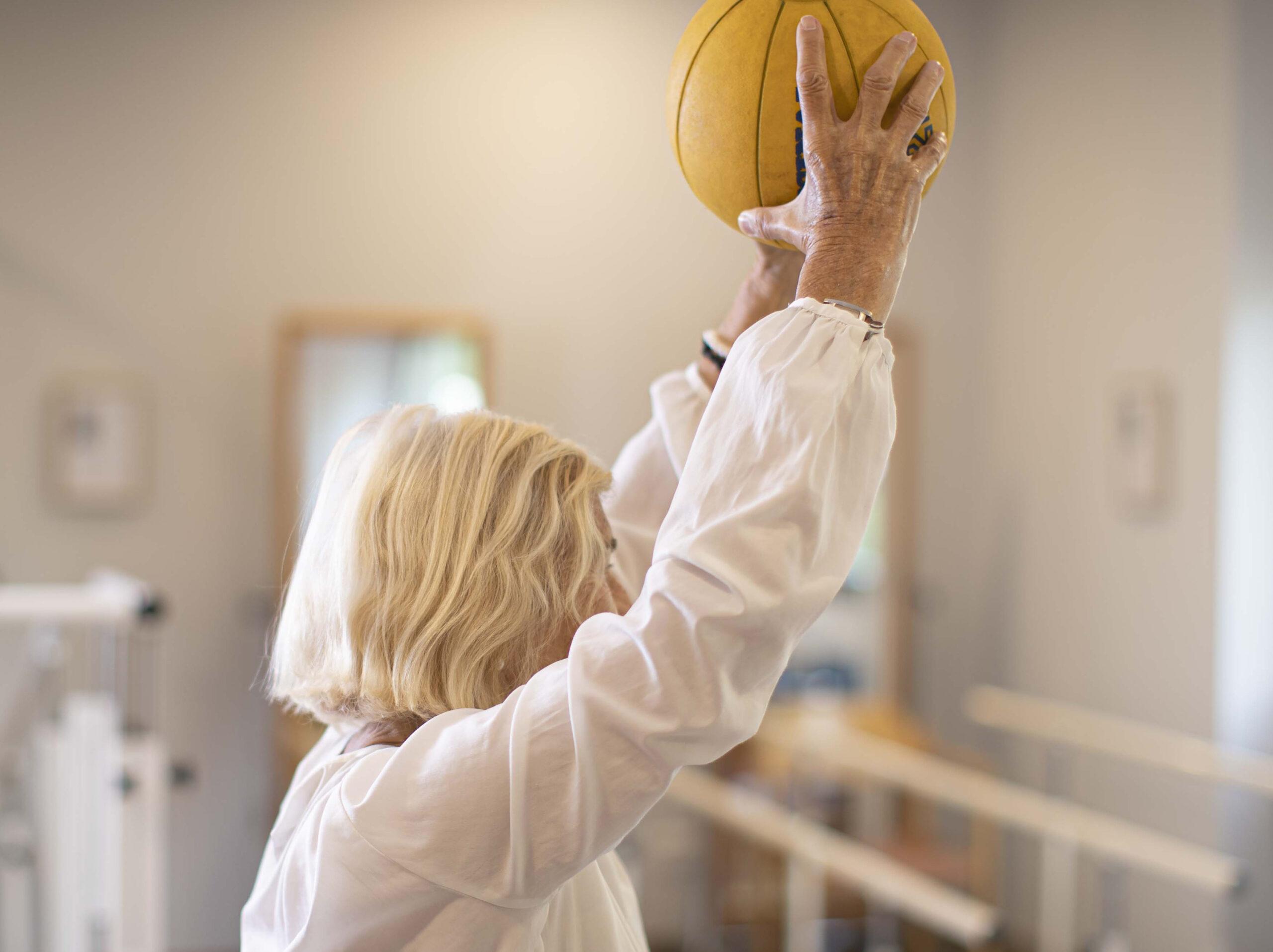 Gerontogimnasia, bienestar físico y mental para las personas mayores