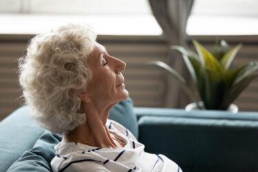 Mindfulness para mayores: cuándo practicarlo y cuáles son sus beneficios